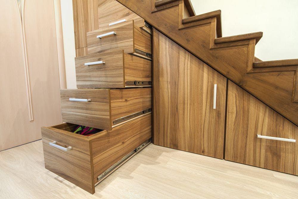 Idées pour optimiser la place sous les escaliers