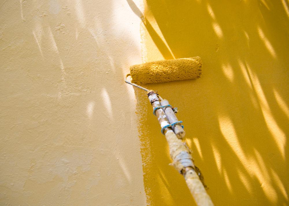 Illuminer une pièce : les codes couleur de peinture à adopter